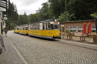 Tram zwischen Bad Schandau und dem Lichtenhainer Wasserfall im Kirnitzschtal