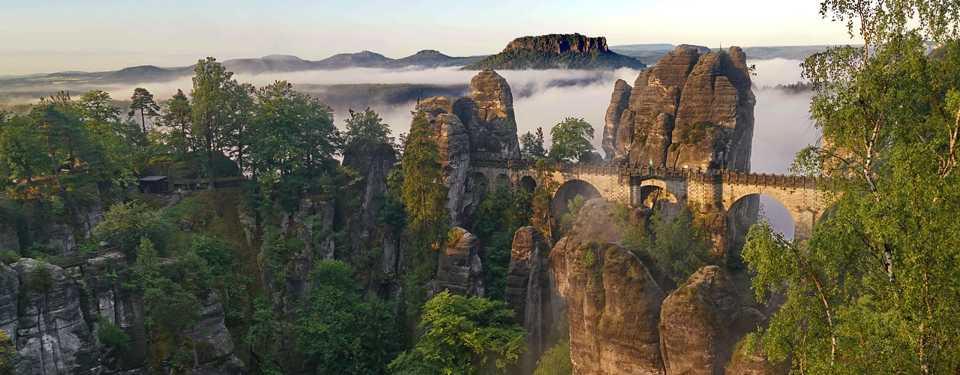 Die Sächsische Schweiz ist eines der bekanntesten Wandergebiete auf der ganzen Welt und für Kletterer ein wahres Paradies.