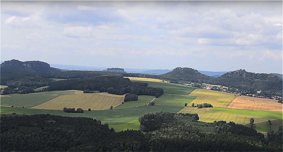 Blick vom Kleinen Zschirnstein auf Festung Königstein